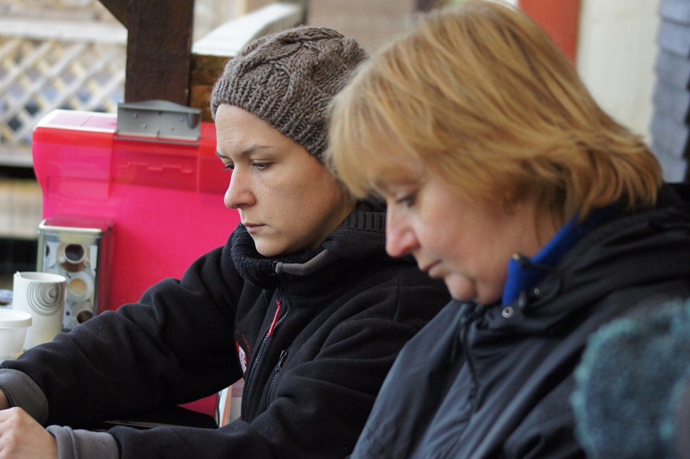 Amélie et Corinne au secrétariat