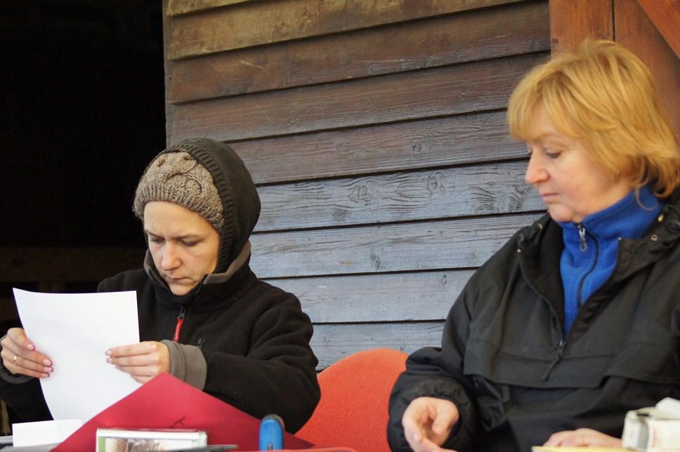 Amélie et Corinne secrétaires au brevet sans électricité